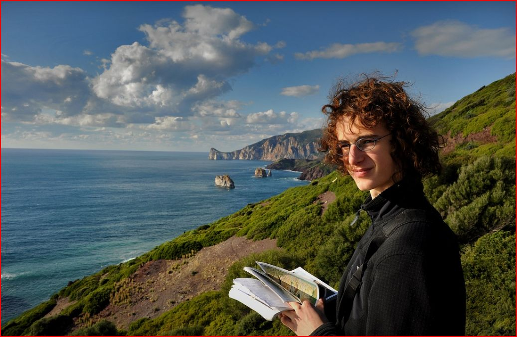 Adam Ondra looking for new crags, Sardinia 2009, 121 kb