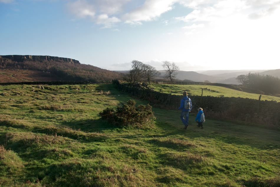 Hathersage Owler Tor - Family Walk, across towards Owler Tor and Millstone, 116 kb