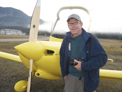 John Scurlock and his home-built airplane, a Van's Airctaft RV-6, 27 kb