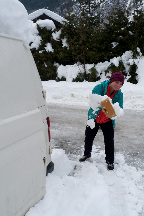 We didn't get avalanched, but Hazel did have to dig out the van! The Mammut shovel was more than up to the job., 172 kb