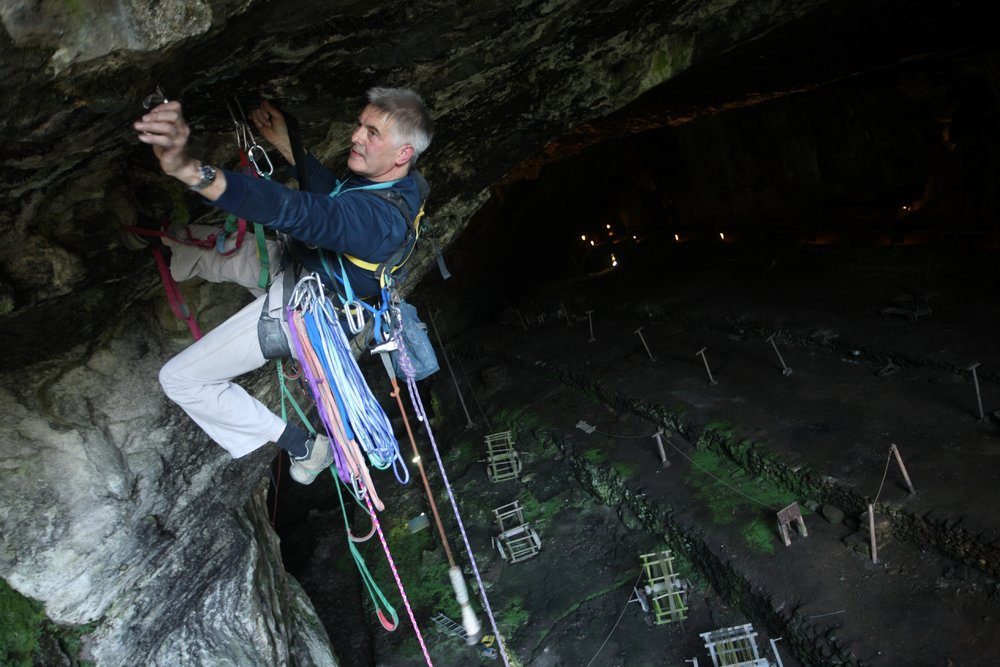 Aid Climbing in the Peak District - Dave Williams in action in Peak Cavern, 121 kb