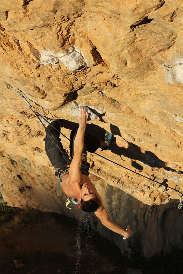 Gerard Roull from Barcelona on Fabelita 8c, just 6 months after serious tendon surgery!, 194 kb