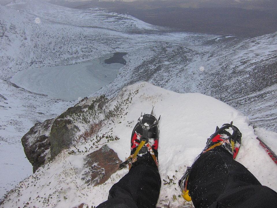 Warm feet on a pretty savage Lochnagar day, 183 kb