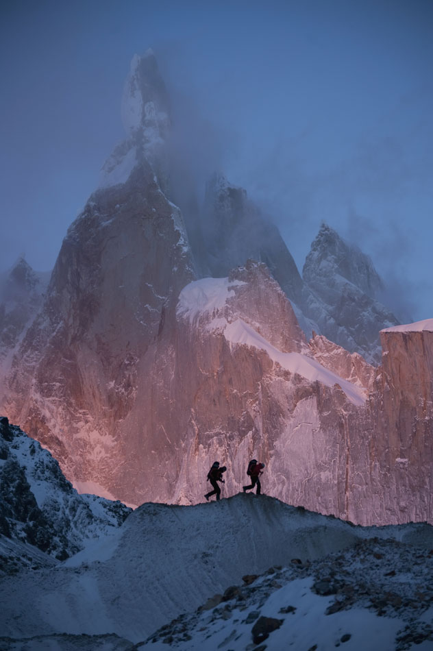 David Lama and Daniel Steuerer underneath the impressive Cerro Torre, 101 kb