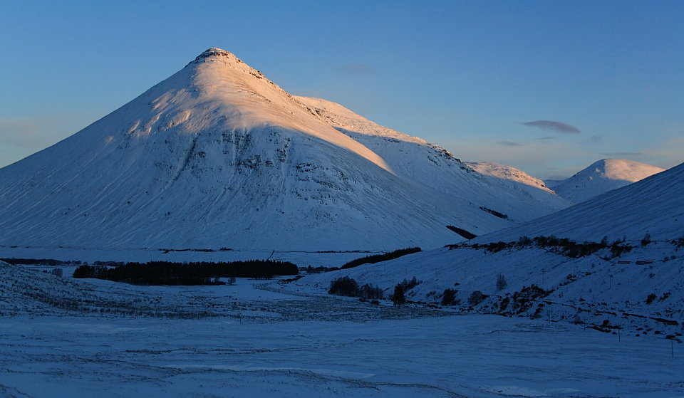 Beinn Dorain at dawn, 96 kb