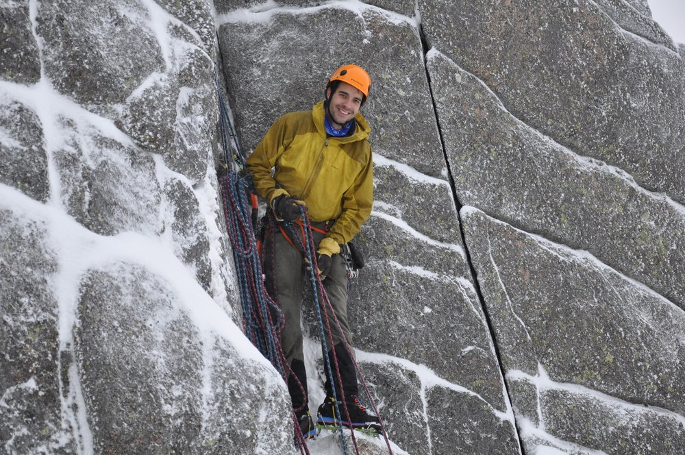 Toasty toes on belay (Photo Benjamin Courant), 217 kb