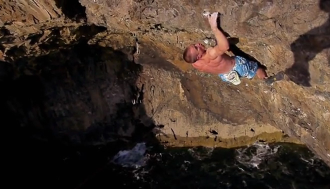 Neil Gresham on the high second crux section of Hydrotherapy - 8a+ - Pembroke, 81 kb
