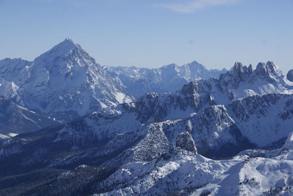 Winter scene with Monte Antelao and Croda da Lago, 130 kb