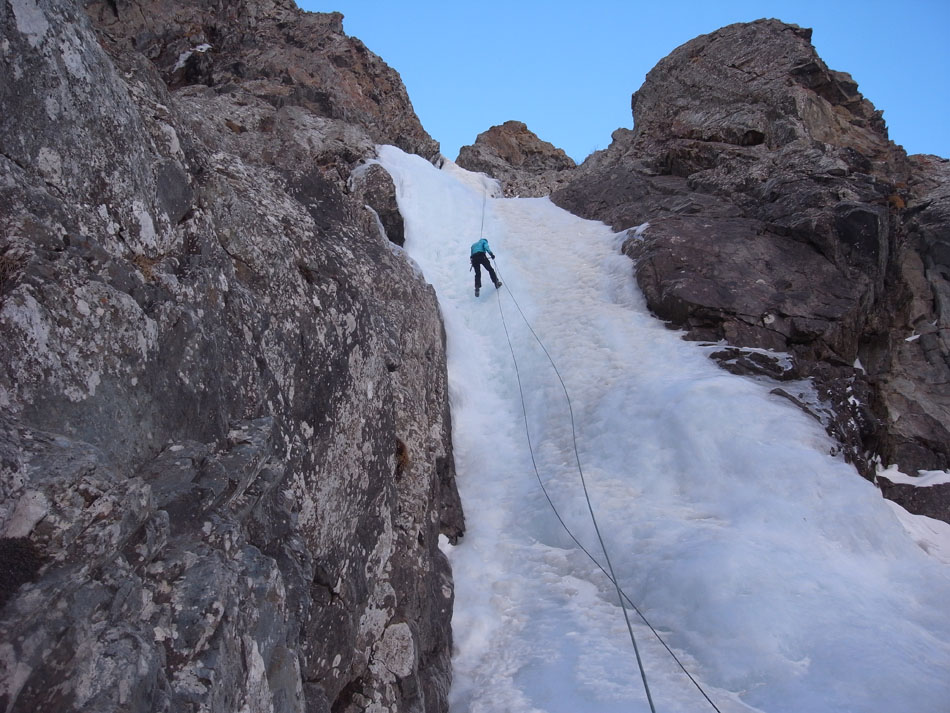 Abseiling back down the line, 183 kb