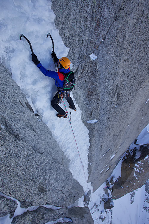 On the stunning ice pitches of Late to Say I'm Sorry, Aiguille Verte, 161 kb