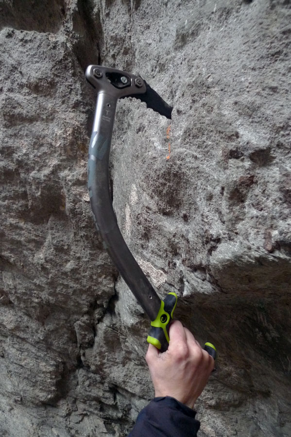 The Edelrid Rage ice axe at the drytooling venue of Le Fayet, close to Chamonix, 148 kb