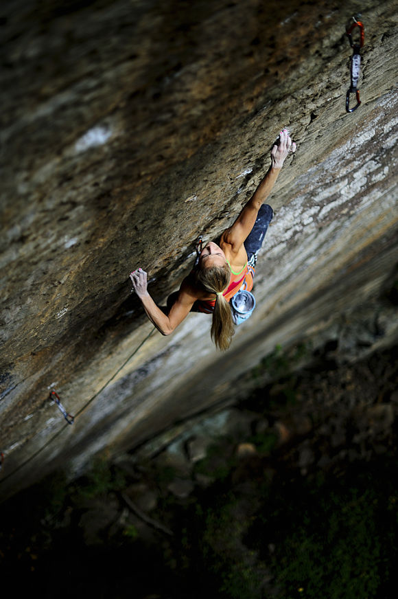Sasha DiGiulian on Pure Imagination (9a) Red Rriver Gorge, 92 kb