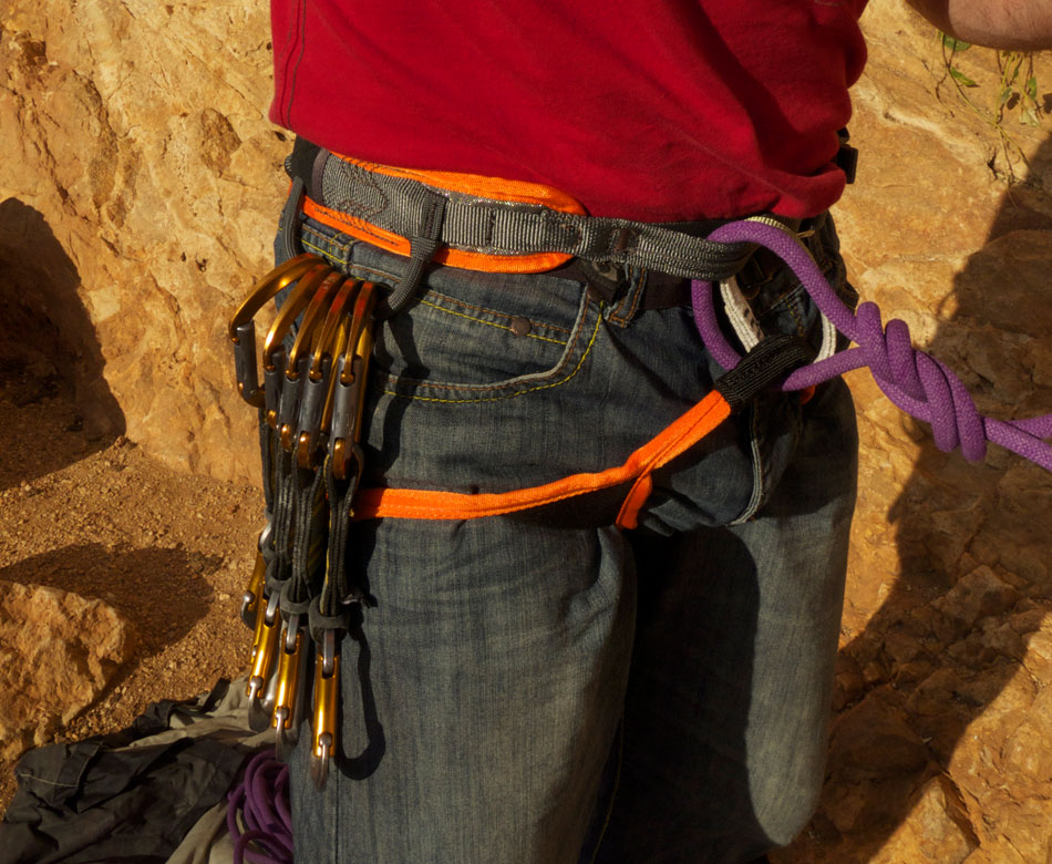 Lightweight Harnesses - Petzl Hirundos, 183 kb
