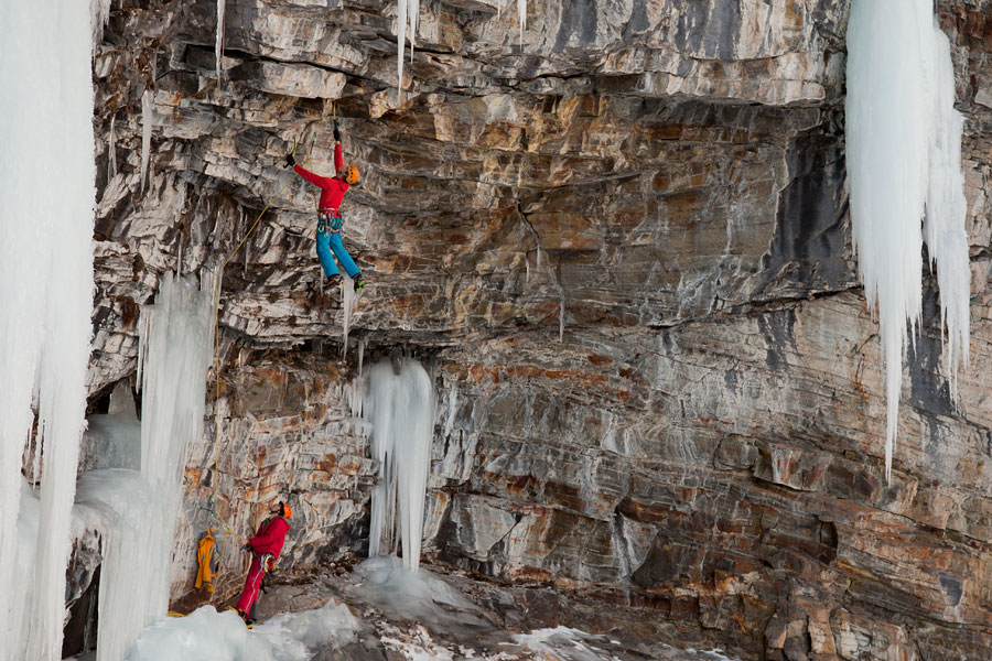 Tim Emmett on Jedi Master - M11 - Cogne, hanging off the BD Fusion 2s., 177 kb