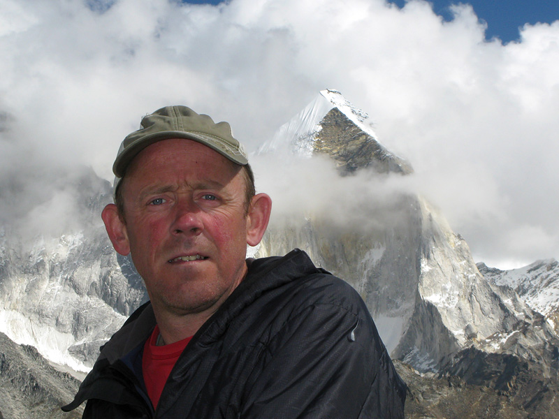 Simon Yates in the Gangotri, northern India, with Bhagirathi III in the background. , 142 kb