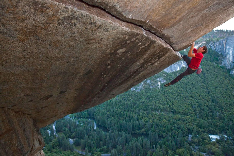 Alex Honnold making a rope-less ascent of the famous Separate Reality., 174 kb