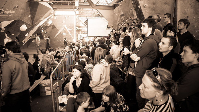 A big crowd for the CWIF semi finals 2012, 123 kb