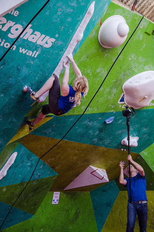 Leah Crane in the women's semi final in the CWIF 2012, 167 kb
