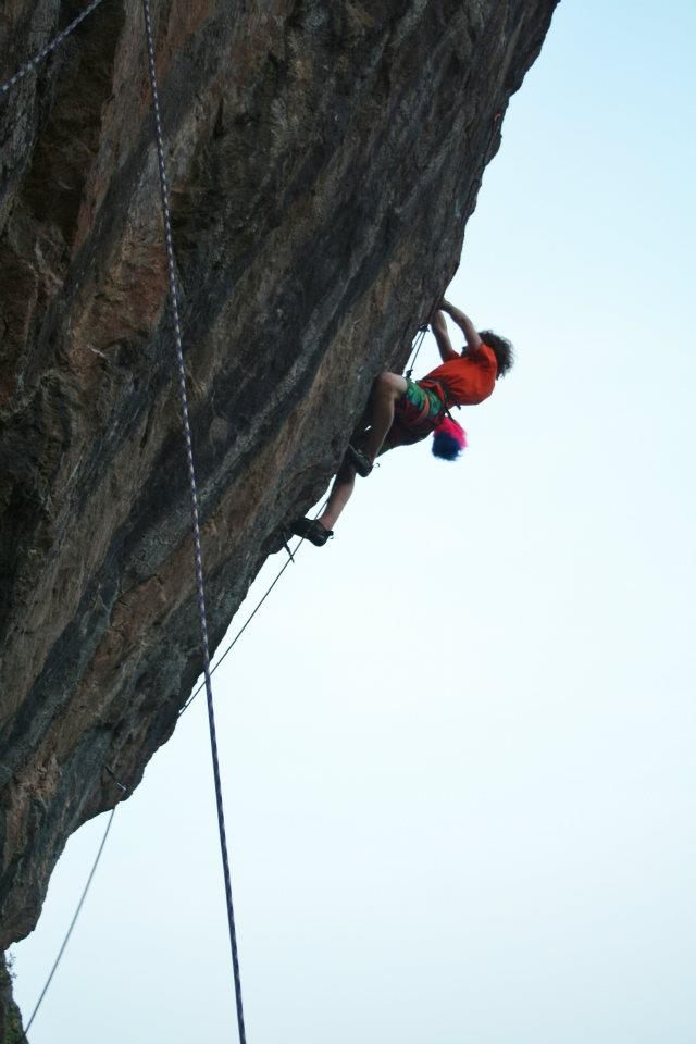 Alex Waterhouse on Pet Cemetery, 8a+, Anstey's Cove, 70 kb