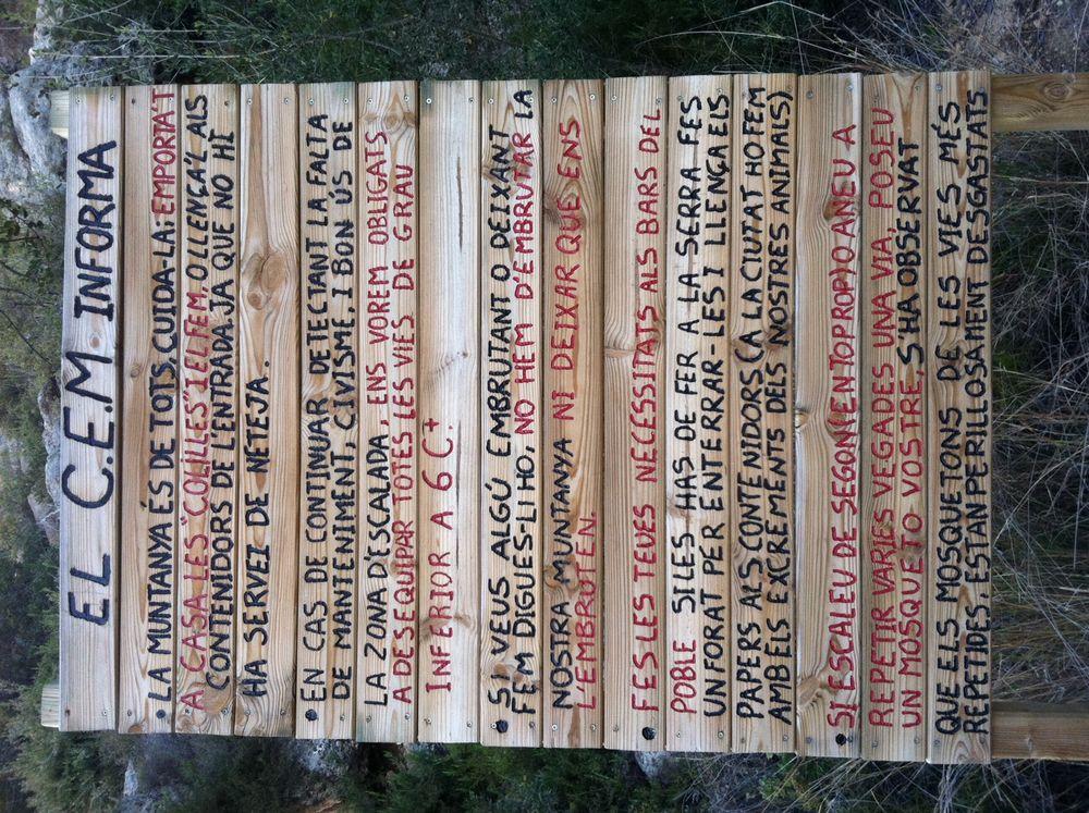 Notice board at Montesa, 209 kb
