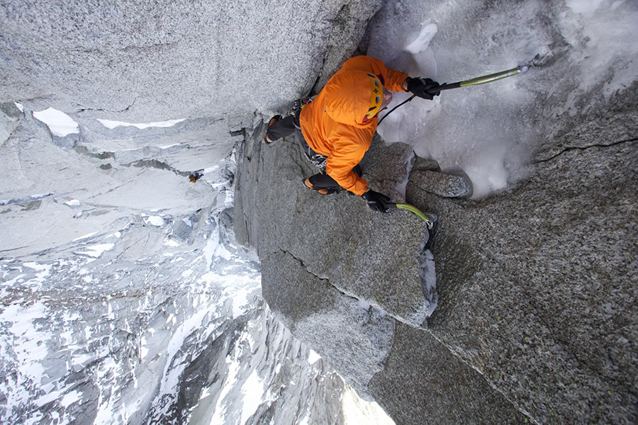 Jesse Huey 'having it' up the steep crux pitch of the Dru North Couloir Direct., 223 kb