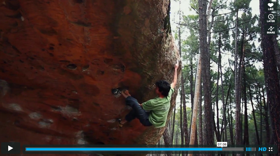 Paul Robinson on Helicopters on beachez, 8B+, Albarracín, Spain, 121 kb