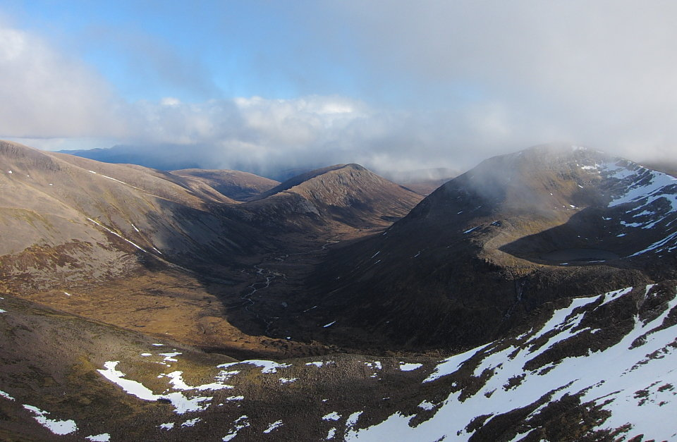 Grant is thought to have headed into the Braeriach - Cairn Toul - Lairig Ghru area  , 119 kb