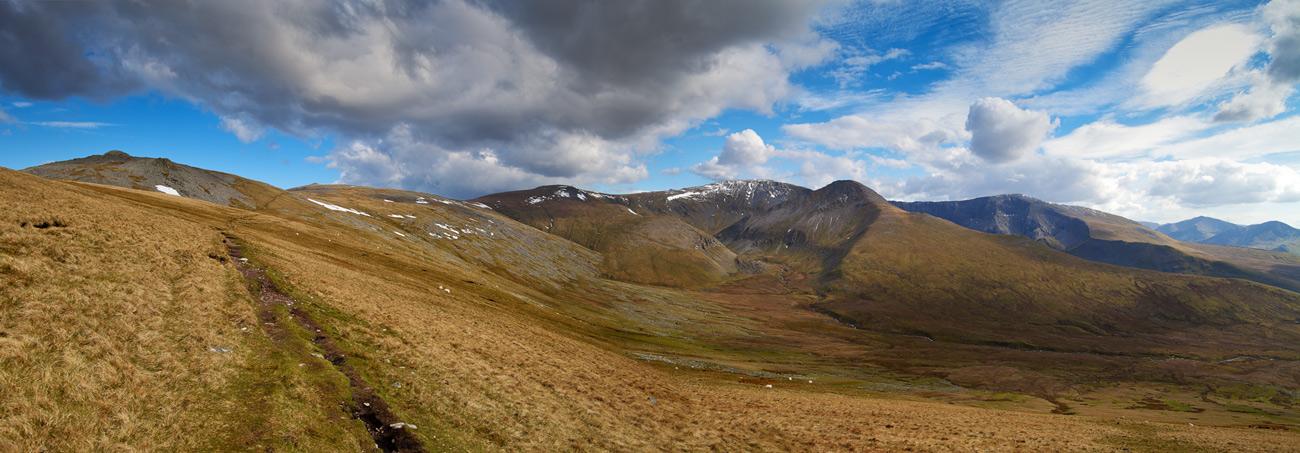 Snowdonia's 'Big Country'.  Cwm Caseg and the Northern Carneddau. Bera Bach to Carnedd Dafydd from near Drosgl., 235 kb