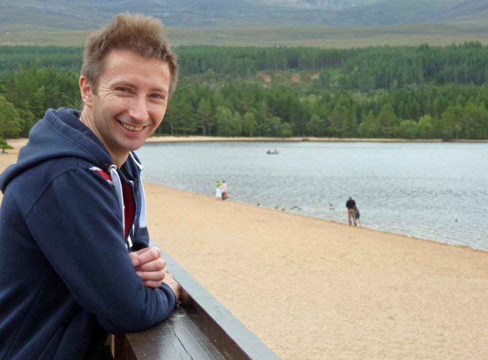 peter Burgess at Loch Morlich, 131 kb