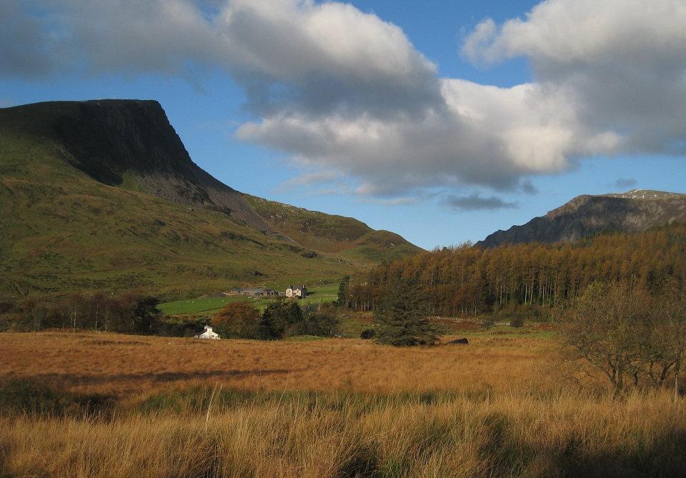 Y Garn (left) and Mynydd Mawr from Rhyd-Ddu, 125 kb