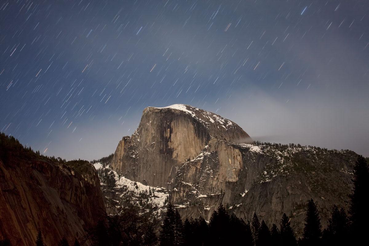 Star trails above Half Dome, Yosemite, 143 kb
