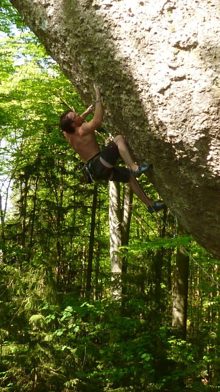 Ethan Walker in action in the �Jura., 136 kb