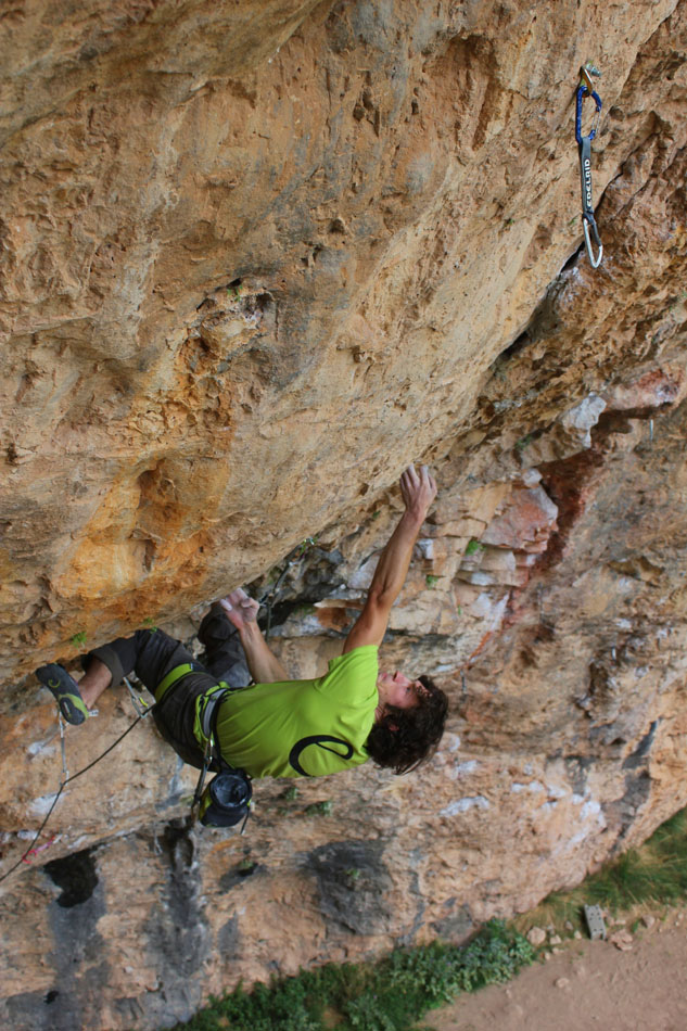 Tom Bolger on his new route Gypsy Blood (8c+) at Santa Linya, 192 kb