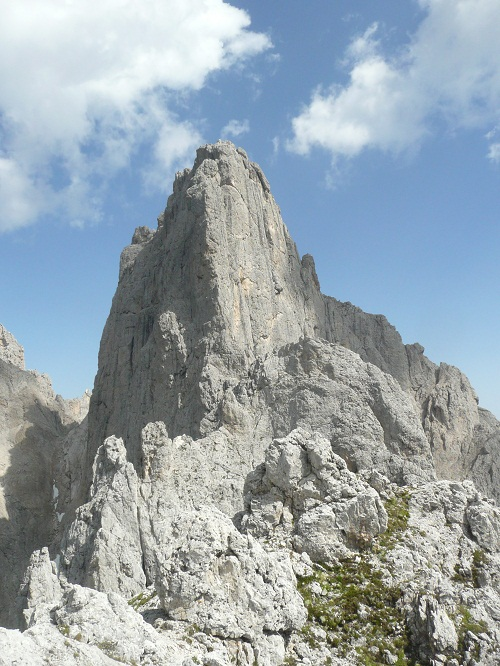 The West Ridge of the Sasso d'Ortiga viewed from the summit of the Pala del Refugio., 146 kb