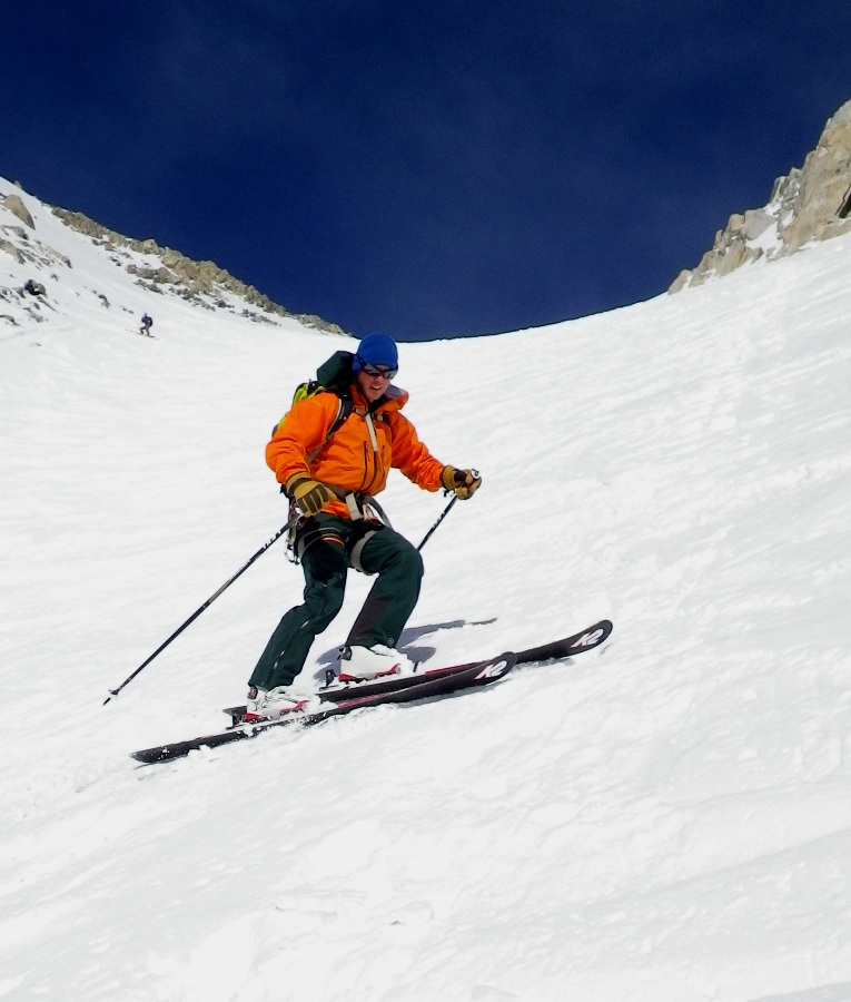 Skiing the Aiguille d'Argentiere in the Meru bib and jacket. Photo Tristan Wise., 164 kb