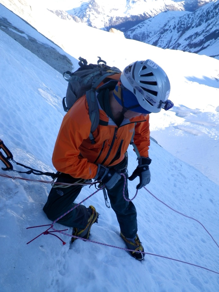 Final V thread in the Couturier Couloir. Photo Tom Grant., 178 kb