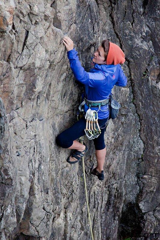 Heather Swift testing the Marmot Vapor Trail Hoody in the Chamonix valley, 150 kb