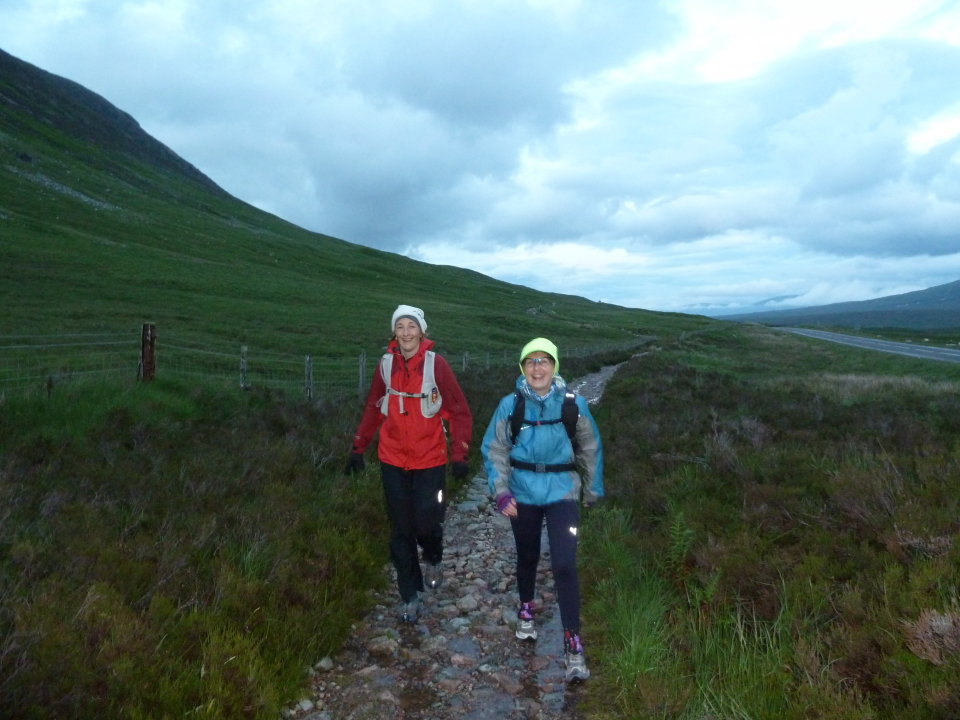 Fiona Rennie and Silke Loehndorf at about 75 miles, 113 kb