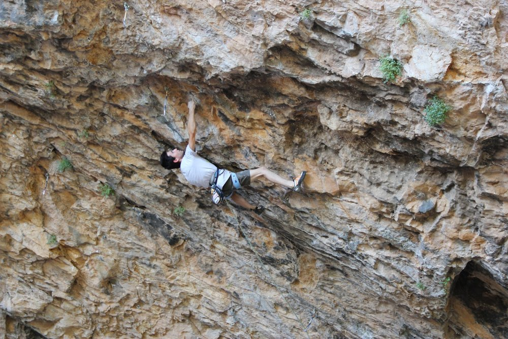 Ramon Julian Puigblanque on Catxasa, 9a+, Santa Linya, Spain, 190 kb