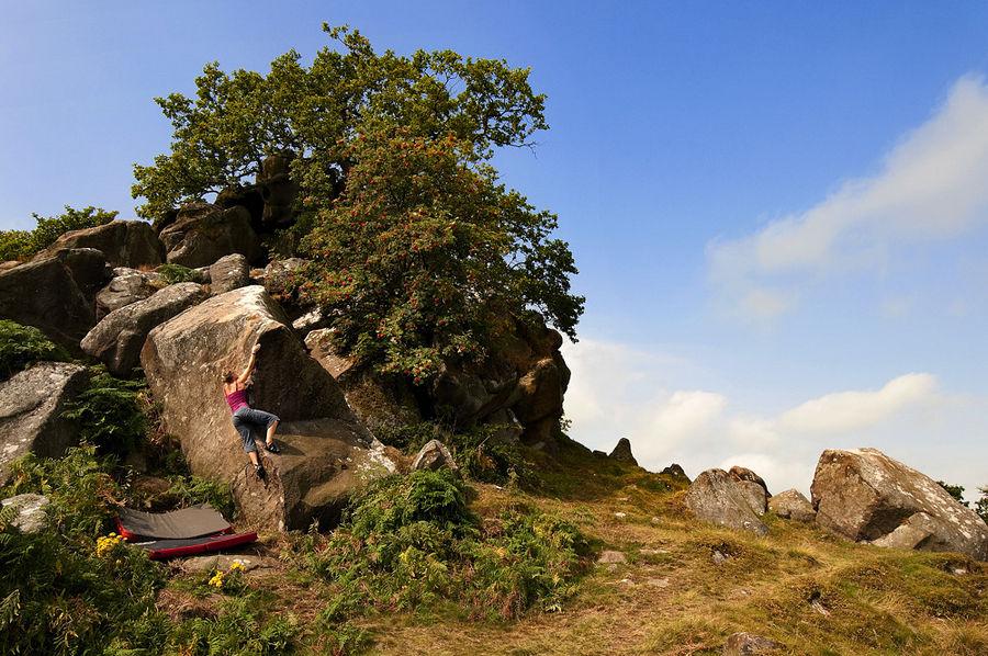 Gracie Martin bouldering at Robin Hood's Stride, 170 kb