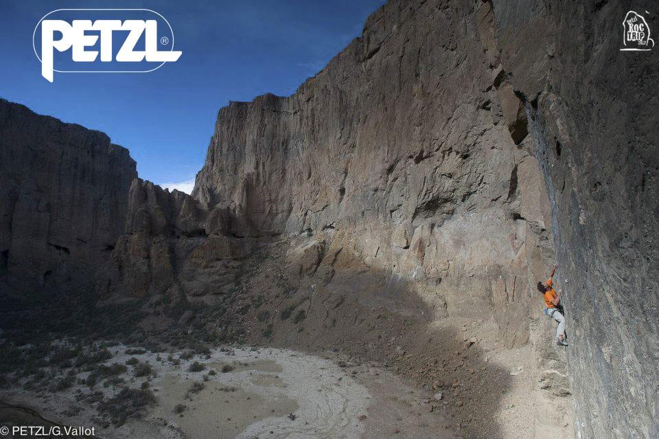 Climbing in la Buitrera Canyon, Piedra Parada, Chubut, Argentina, 140 kb