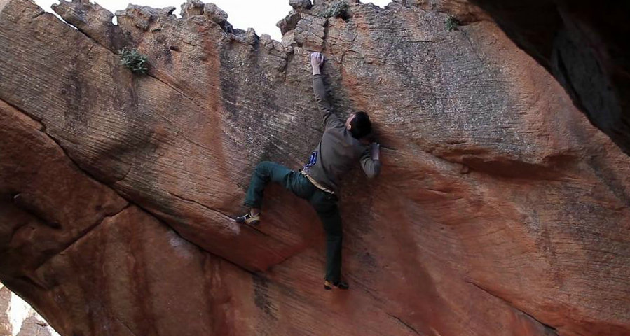 Michele Caminati bouldering in Rocklands, 107 kb