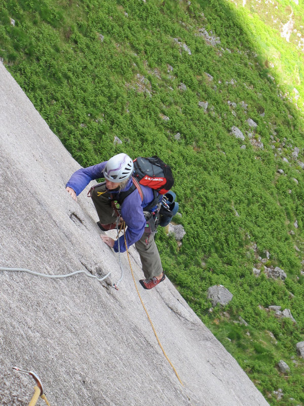 Clare contemplating the �long reach� move to the flake on pitch 4, 194 kb