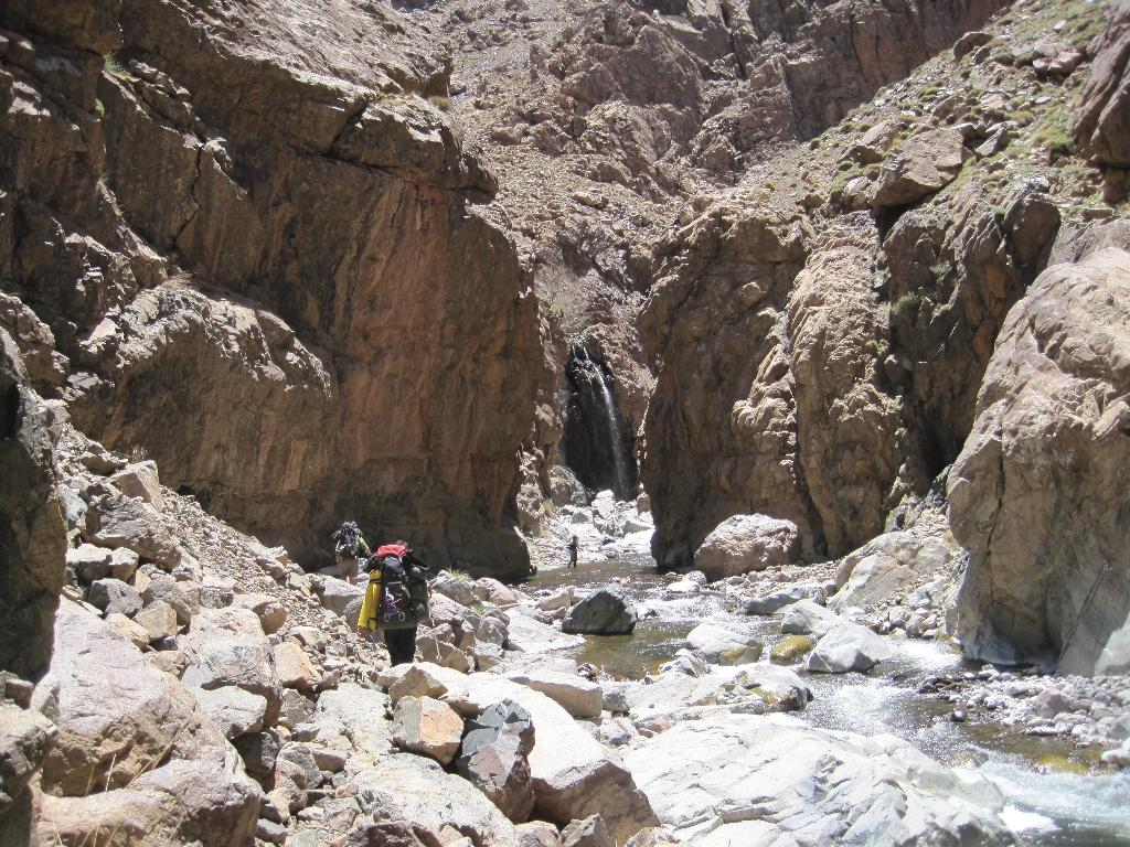 The stunning Kissaria Gorge, 202 kb