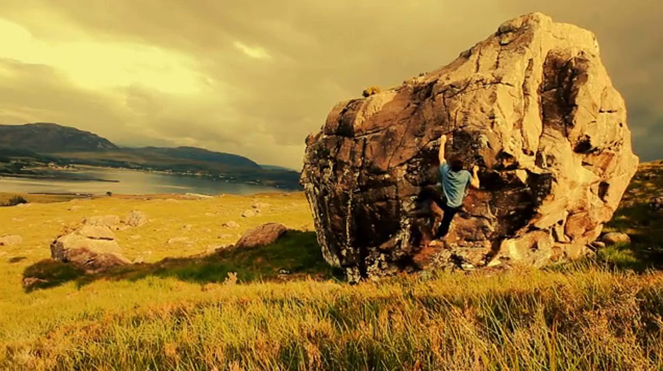Rok Klancnik climbing on the Kishorn Boulders, Scotland, 132 kb