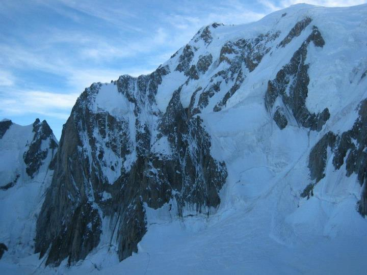 The route of Divine Providence - up the rock wall and then follow the ridge to the summit of Mont Blanc!, 52 kb