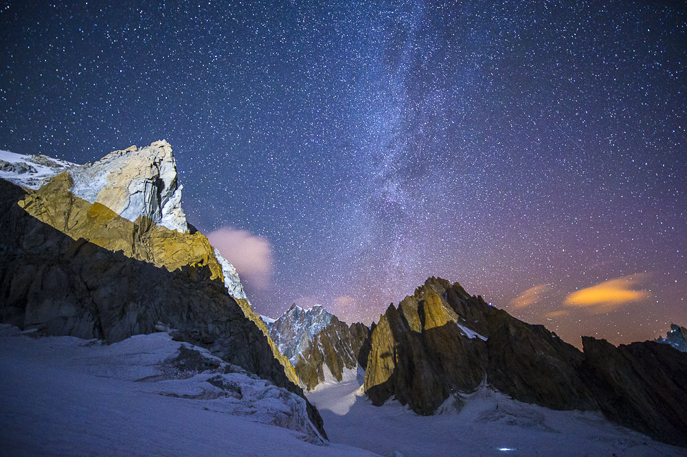 The NE face of La Tour Ronde and the summits of Mont Blanc Range., 229 kb