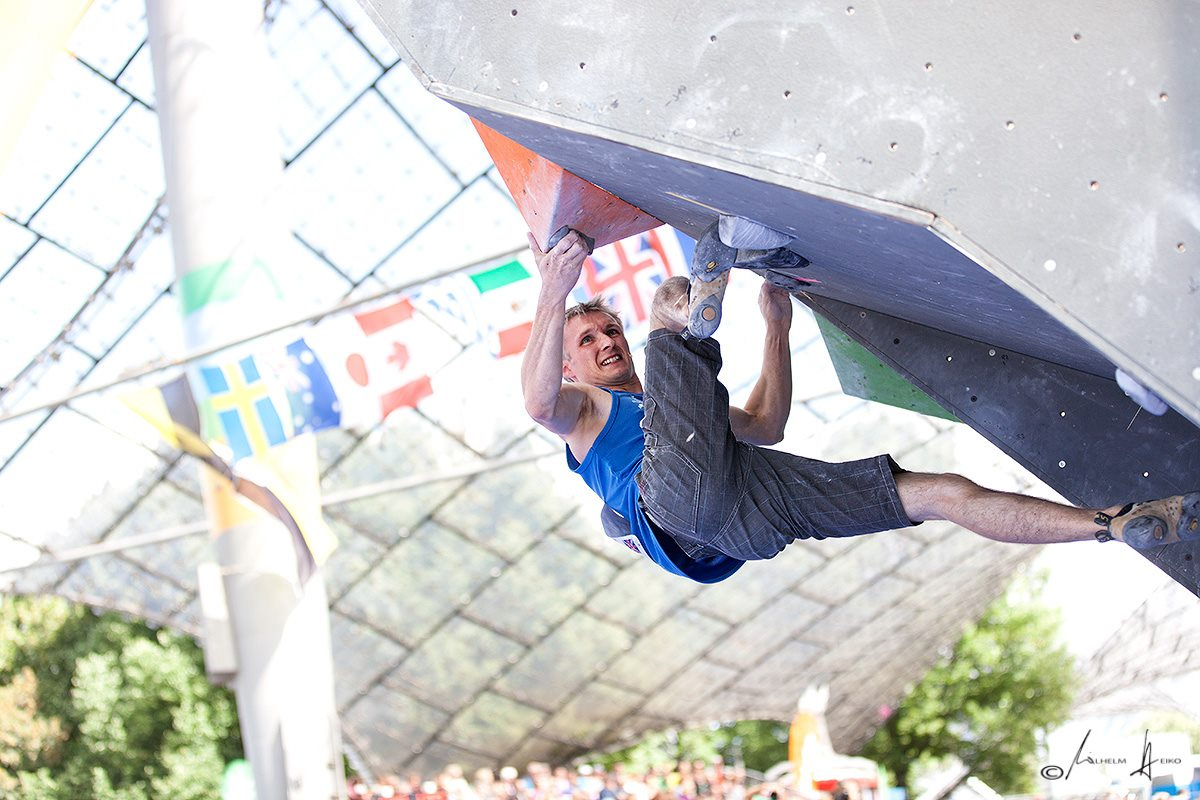Stew Watson competing in the final round (Munich) of the 2012 Bouldering World Cup, 152 kb