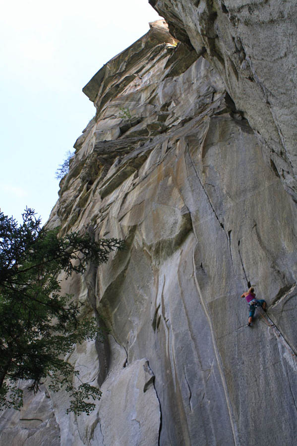 Hazel Findlay on The Doors - 8b? - Cadarese, 114 kb