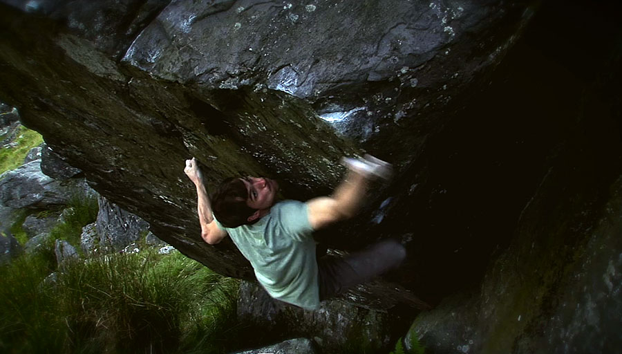 Pete Robins on Isles of Wonder - Font 8B - Ogwen Valley, 92 kb